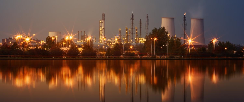 industry-4562396 Bild von Johannes Plenio auf Pixabay